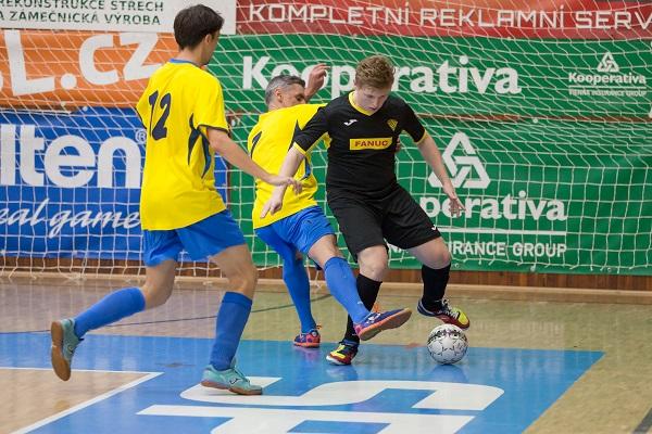 Závěr vyrovnaného utkání lépe zvládl Zlej sen Liberec a zvítězil 5:3.